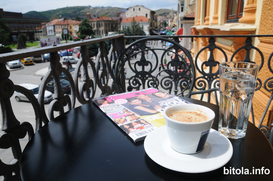 Drinking coffe on Sirok Sokak Bitola